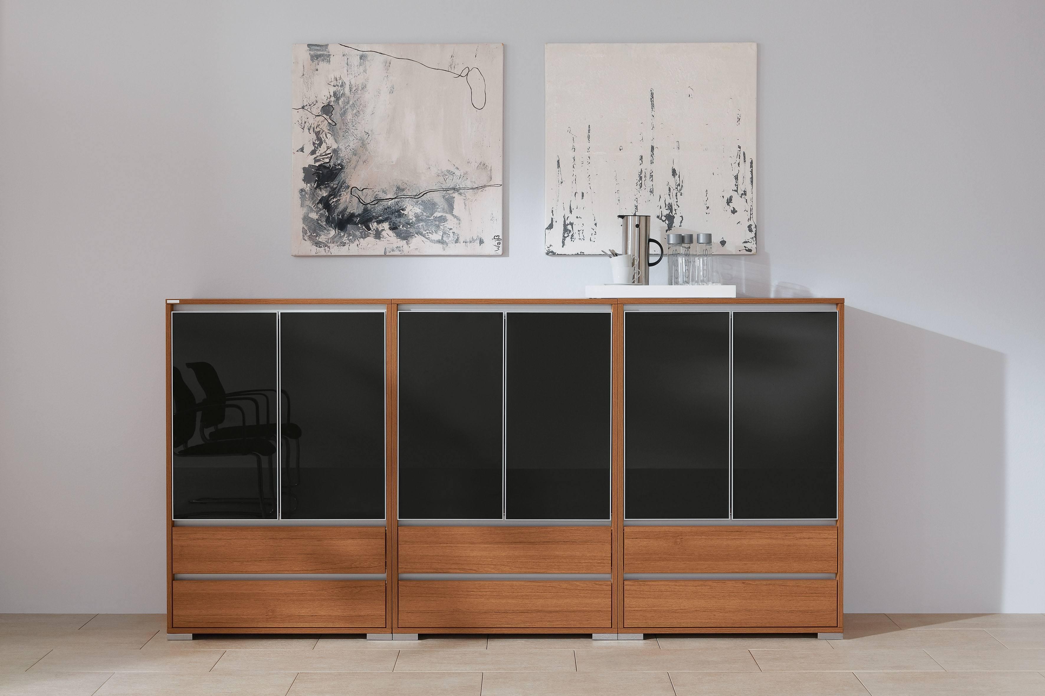 Palmberg Select sidebaord met zwarte glazen fronten